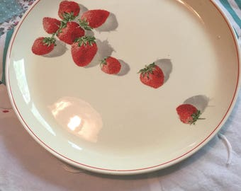 Vintage Luncheon Plate Strawberries Cavitt Shaw W S George Made in The USA #4151