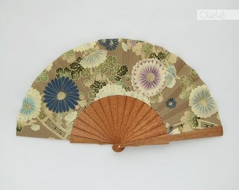 Japanese flowers folding fan with leather sleeve - Grey Beige bridesmaids gift - Kiku flowers blue