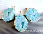 Druzy pendant Geode druzy Agate slice pendant Gold Plated Edge druzy Geode Pendant in turquoise blue color, gemstone Pendant, JSP-6515