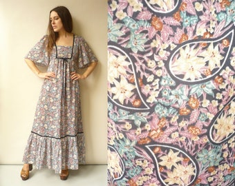 1970's Vintage Victoriana Style Floral Print Angel Sleeve Bohemian Maxi Dress Size XS