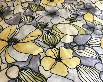 Table Cloth #14150, Gorgeous Yellow and Gray Table Cloth, Long Table Cloth, Table Linens, Table Cloths, Floral Table Cloth, Tablecloth,
