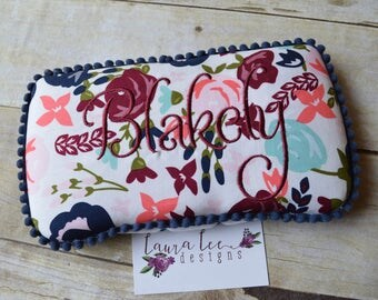 READY TO SHIP, Posy Garden Floral Travel Baby Wipe Case, Personalized, Girl Baby Shower Gift, Monogram, Flower Wipe Clutch, Diaper Wipe Case