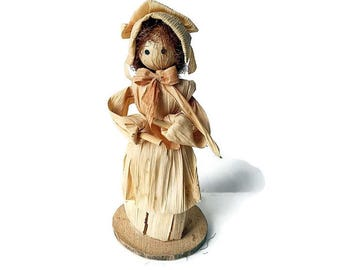 Corn Husk Doll/Girl in a Bonnet/ Early American Vintage Folk Art Collectible /Handcrafted
