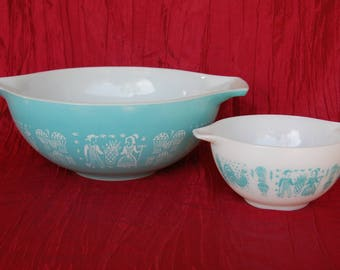 Vintage Pyrex Amish Butterprint Cinderella Mixing Bowls Largest 4 Quart 444 White on Turquoise and Smallest 1.5 Pint 441 Turquoise on White