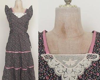 30% OFF 1970's Floral Print Ruffle Trim Vintage Hippie Prairie Dress Sz XS by Maeberry Vintage