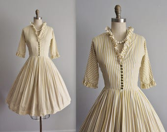 50's Day Dress // Vintage 1950's Striped Cotton Full Garden Party Shirtwaist Dress XS