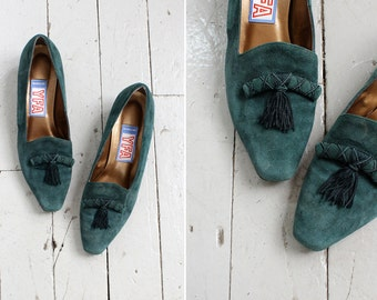 Green Suede Loafers 8 • 80s Shoes • Suede Heels • Green Heels • Green Leather Loafers • Suede Shoes • Vintage Shoes • Green Shoes | SH414