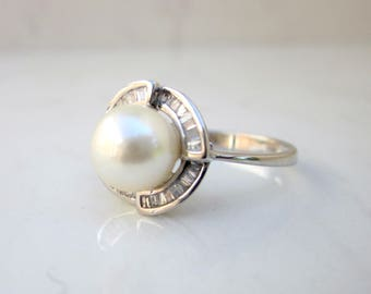 Estate 18K Solid White Gold 7 mm Cultured Pearl Diamond Halo Ring, Size 6.25 // Pearl Ring // Diamond Halo //