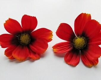1 Pair Red Cosmos flower Hair Clip 2.50 inches (6.50 cm.)