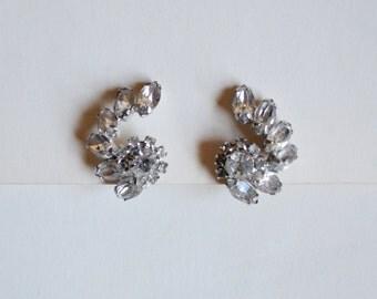 1950s Sparkling Kramer rhinestone spiral clip on earrings / 50s silver diamanté evening earrings