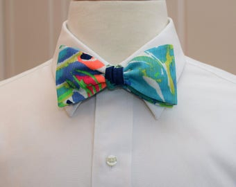 Men's Lilly Bow Tie, Purrfect multi color Lilly print, groomsmen's gift, wedding bow tie, groom bow tie, prom bow tie, Kentucky Derby bowtie