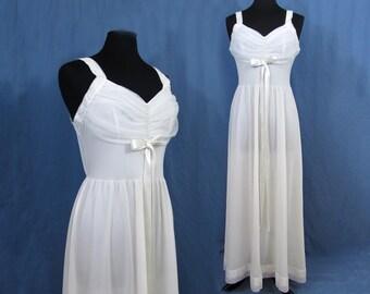 Gotham Nightgown - 1950s white nylon with lace & rhinestone accent - sz 38