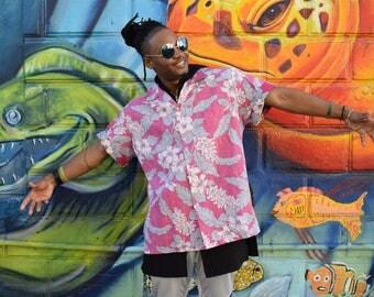 Vintage Hawaiian Shirt, 80s Button Up Shirt, Men's Short Sleeve Tropical Hawaii Top, Pink, White and Gray, Mens XL