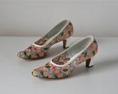 SALE 60s shoes / Flower Girl / vintage 1960s heels