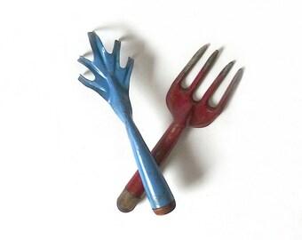 Set Vintage Painted Metal Garden Tools ... Red Garden Fork, Blue Garden Claw, Five Finger, Rusty Garden, Rustic Garden Hand Tool, Hand Hoe