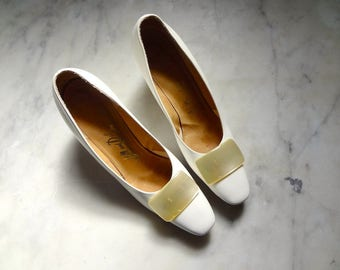 Vintage 1960s White Dress Shoes with Chunky Heels