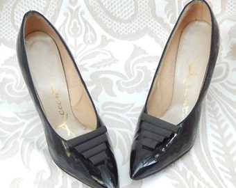 70% OFF MOVING SALE Absolutely Amazing --1950s Heels By Accent --Size 7 But fit like a 6--Patent Leather Heels--Curvy Heels-Mint Condition