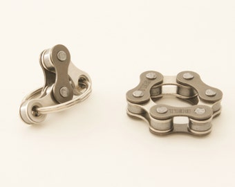 Quiet Fidget Toys for ADHD, Set of 2 Fidget Toys, Spinner Toy, Bike Chain Toy, Anxiety Relief, Office Toy, Silver, Quiet Fidget Toys