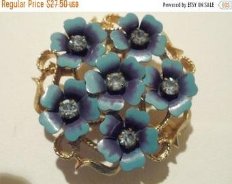 "ON SALE Vintage brooch/pendant ""Avon"" brooch, blue brooch, floral brooch,vintage jewelry"