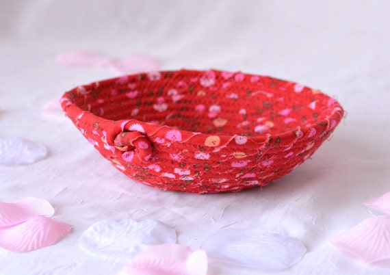 Decorative Red Bowl, Handmade Red Valentine Decoration, Cute Red Desk Accessory Basket, Ring Holder, Candy Dish, Key Holder