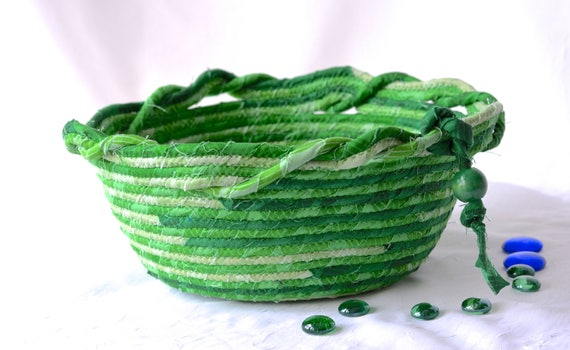 Spring Green Basket, Handmade Kelly Green Bowl, Gift Basket, Picnic Basket, Green Irish Decoration, BBQ Napkin Basket, Bread Basket