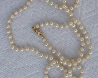 """Hand Knotted Pearls Necklace Single Strand 28"""" Ivory Cream Off White Vintage 1960's Era"""