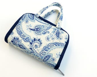JW Bible Cover in Delft Blue, with Handles, for Regular Size NWT Bibles, by Vic Von Pip