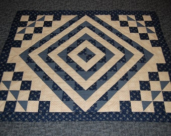 FREE SHIPPING, Lexington Quilt, Navy, Traditional New England Quilt, Hand Quilted
