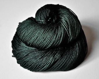 Spook in the coniferous forest - Merino/Silk Fingering Yarn Superwash