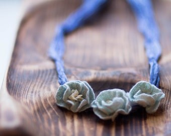 Necklace Felt Flowers, Womens Jewelry, Floral choker, silk felt necklace, poppy jewelry, something blue, wedding flowers, white necklace