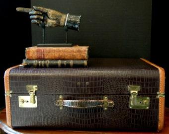 Vintage Faux Alligator / Leather Details / Vintage Luggage / Display / Leather Edges Handle / Studio Decor