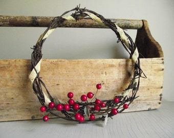 Barbed Wire Wreath | Farmhouse Christmas Decor | Weathered Rusty Wire Wreath | Rustic Wall Hanging | Primitive Holiday Decor
