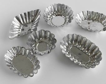 Metal Small Pastry Candy Mold Cottage Decor Shabby Decor Bead Sorter Lot of 6 Baking Bakeware