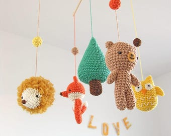 Crochet Woodland Baby Mobile with Fox Bear Hedgehog Owl, Wild Life Animal Woodland Nursery Decor