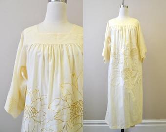 1970s Lotus Flower Wool Blend Caftan