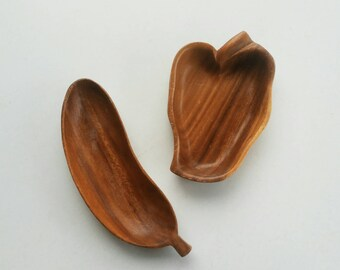 Carved Wooden Monkey Pod Fruit Bowls - Small Wooden Serving Trinket Bowls - Boho Décor - Pepper Shaped Bowls
