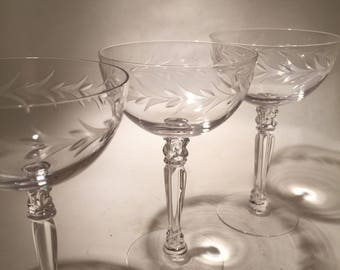 6 Champagne Coupes - Fostoria Holly