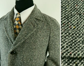 1950s Tweed Overcoat. Classic Fleck Tweed from Richman Brothers. Raglan Sleeve.  Circa 1957. Chest 46. Size 40 42