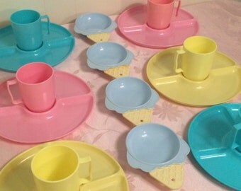 Vintage 16 Piece Melamine Rainbow Multi Color Serving Set Melmac, Pink, Turquoise And Yellow Kitchen Pastel Trays, Mugs And Ice Cream Dishes