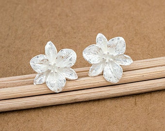 1 pair of 925 Sterling Silver Flower Stud Earrings 12mm. :er1067