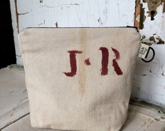HOLIDAY BLOWOUT J.R. - reconstructed vintage seamless grain sack zippered pouch