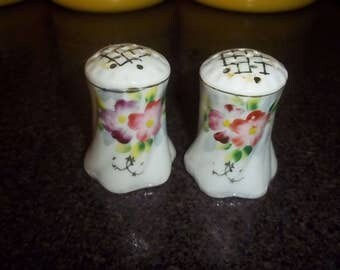 Vintage Beautiful Pink Rose Ceramic Salt and Pepper Shakers - marked Made in Japan