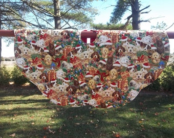 """SALE. Handmade quilted Christmas Dogs Tree skirt  28"""""""