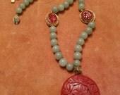 VTG Green Jade beaded necklace gilted filigree Floral pendant