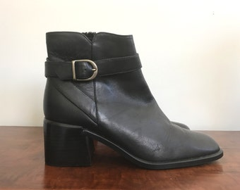 90s black leather Aerosoles ankle booties US 6.5