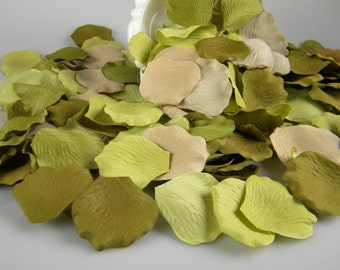500 Green Nature Inspired Rustic Wedding Rose Petals - Woodland Party Decoration - Tossing Petals - Aisle Decoration - Flower Girl Petals