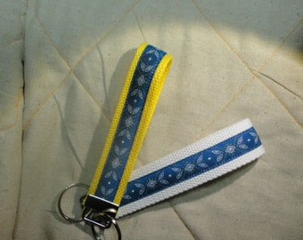 Fun Jacquard Woven Print Ribbon Key Fobs in Leaf with diamond pattern