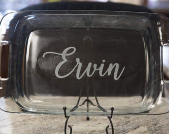 Etched baking dish with last name. Bride and Groom gift. Housewarming gift, Hostess gift, Wedding party gift, Bride Groom gift, Personalized