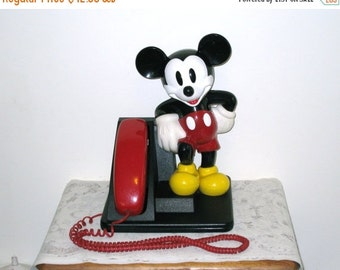 1990 Mickey Mouse Figure Vintage Touch Tone Telephone, AT&T / Red Handset, Great Condition / Works!