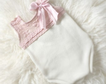 Newborn Pink Ruffled Lace Romper with Bow, baby girl jumper, newborn clothing, photo prop, tank top, onesie, ready to ship